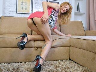 Helenie shows nude livesex